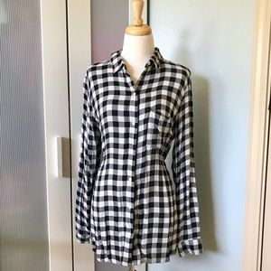 Old Navy Classic Flannel Feel Gingham Button Down